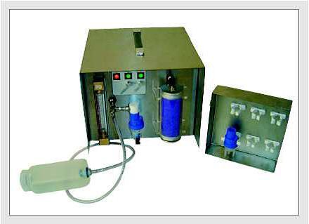 GRIMM 7.811 型仪器设计用于从液体来形成不同材料的气溶胶颗粒,从盐水溶液到固体单分散或多分散悬浮颗粒(如Latex,玻璃球,等等)