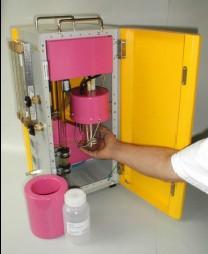 TSI 3475和德国Topas SLG-270单分散气溶胶发生器如何使用固体气溶胶材料?